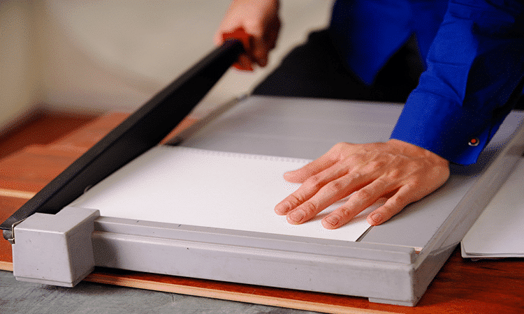 Guillotine vs rotary paper cutter